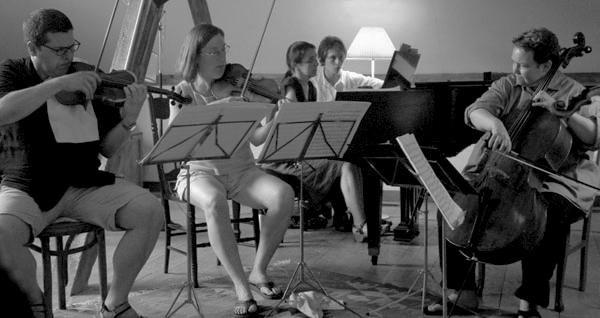Open Rehearsal600px, Susan Alancraig photographerb&w