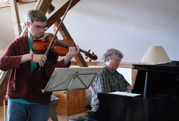 Viola-Seminar350w-Susan-Alancraig-photo