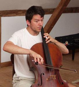 man-cello-incolor300px
